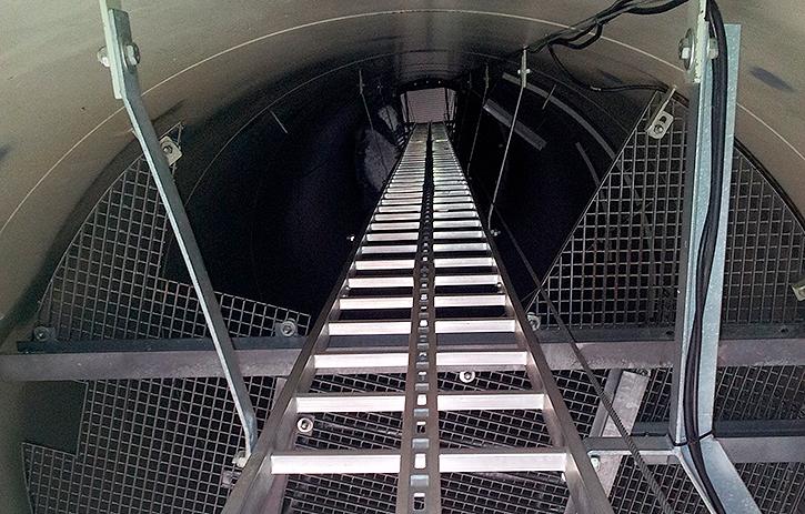Interior tubo aerogenerador